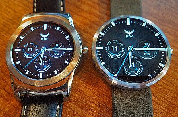 LG Watch Urbane, Moto 360 Screens