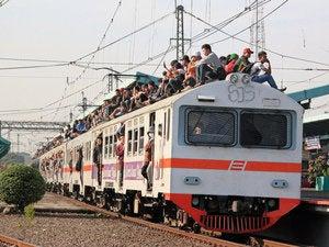 krl train surfing 5