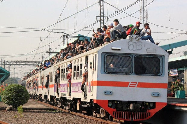 krl train surfing 5
