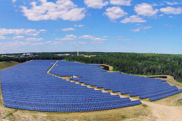 Community Solar Farms To Grow 500 This Year Computerworld