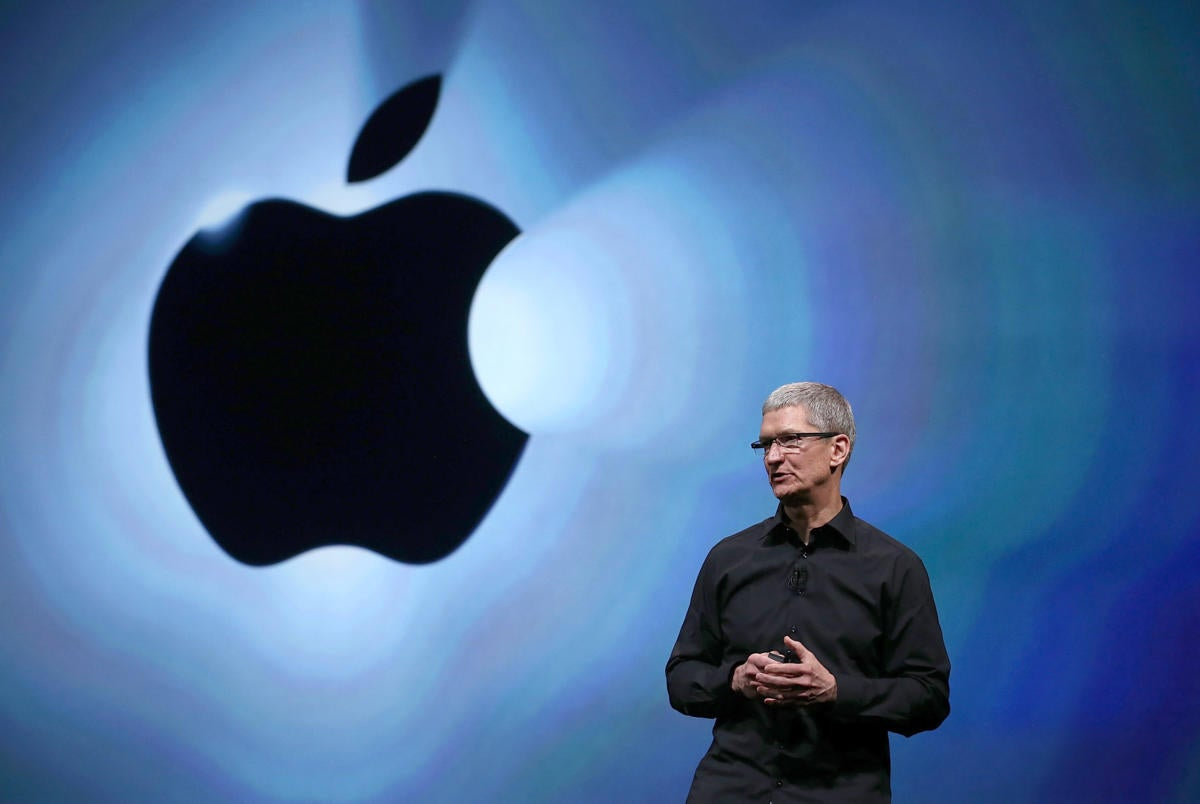 Tim Cook takes shots at Google, NSA during speech on privacy and encryption