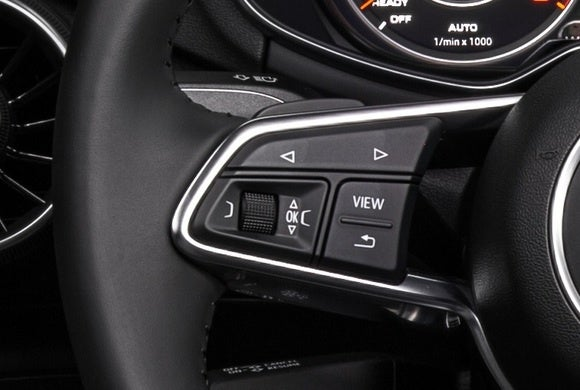 2016 audi tt virtual cockpit steering wheel controls close up