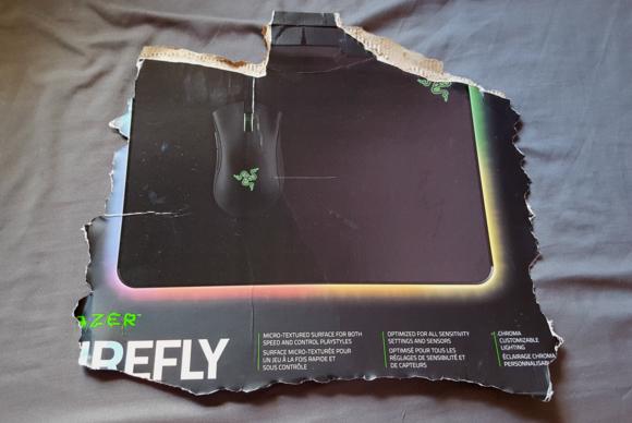 Razer Firefly - Cardboard
