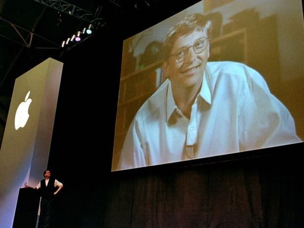 Bill Gates announces investment in Apple