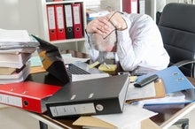 What a messy desk says about a CIO