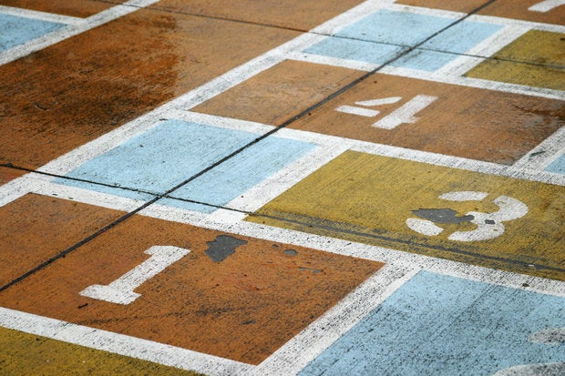 1-3-4 hopscotch child game chalk