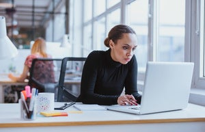 How to choose desk booking software for the hybrid workplace