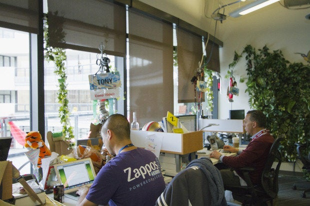 zappos no managers