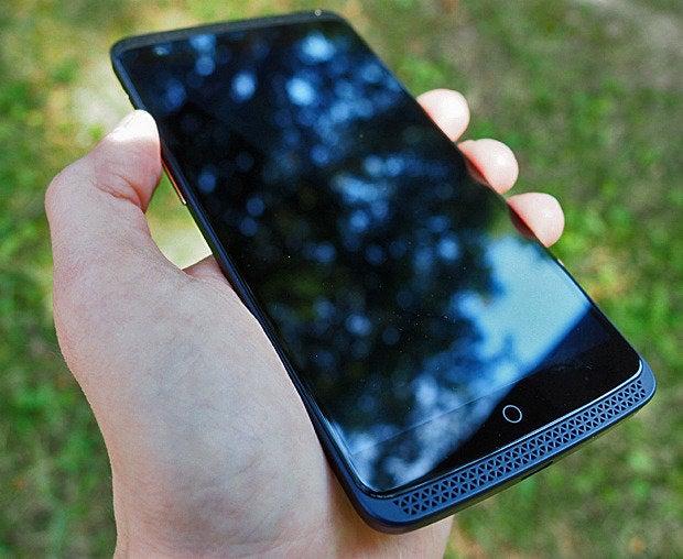 ZTE Axon Phone Design