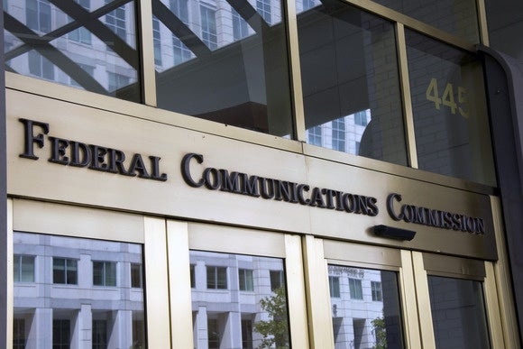 FCC tells ISPs to get customer permission before sharing sensitive info