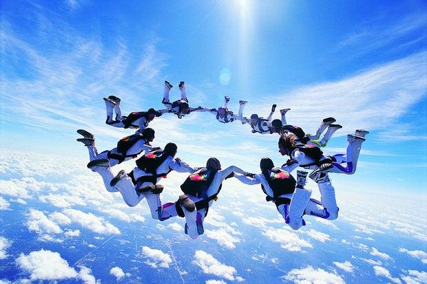 teamwork cloud sky diving collaboration
