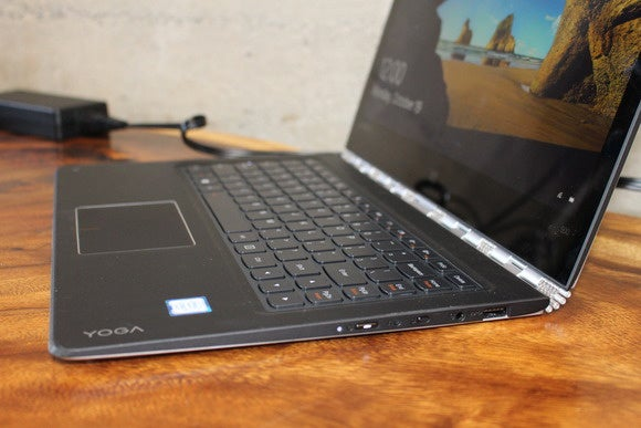 lenovo yoga 900 right detail oct 2015