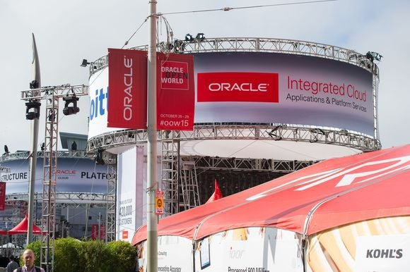 oracle cloud plaza oow 2015 01