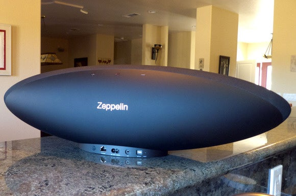 Bowers & Wilkins Zeppelin back