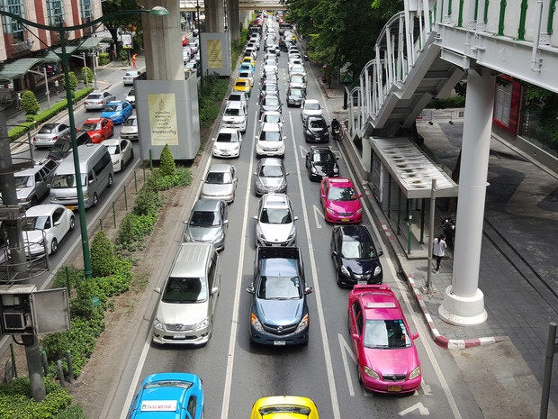 bangkok traffic queue