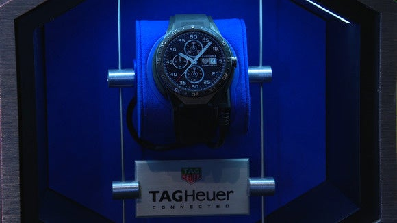151109 tag heuer smartwatch 6