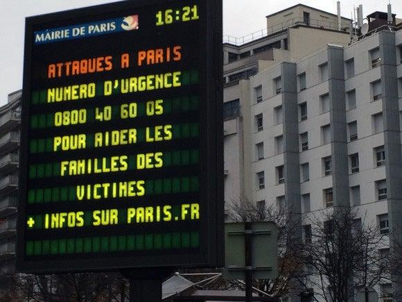 151119 paris attacks 3