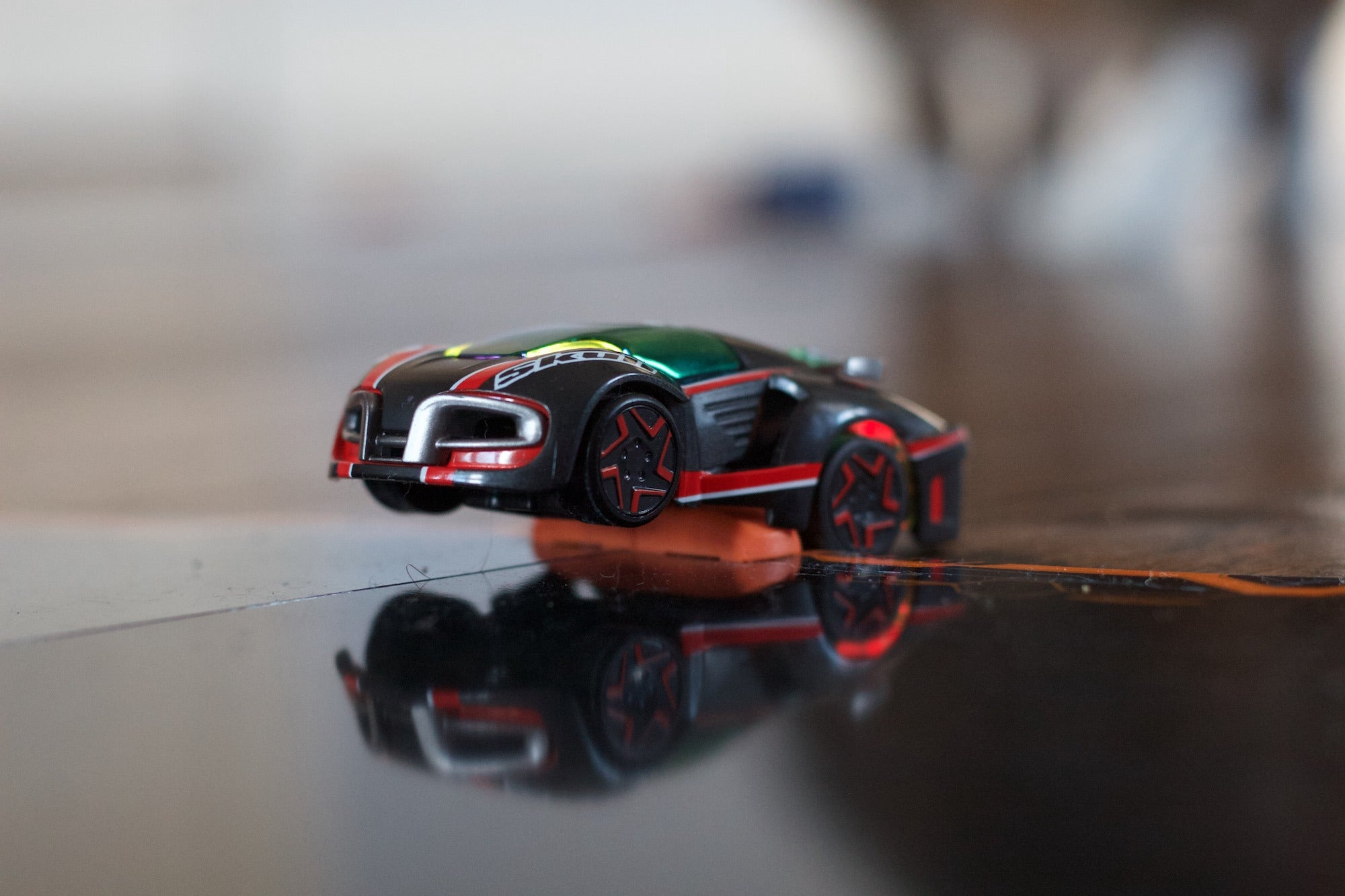 anki overdrive review robot race cars are as cool as they sound macworld. Black Bedroom Furniture Sets. Home Design Ideas