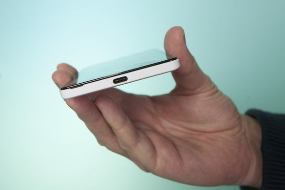 Lumia 950 USB-C port