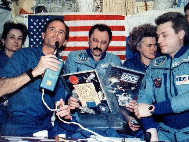 1995 sci tech news 22