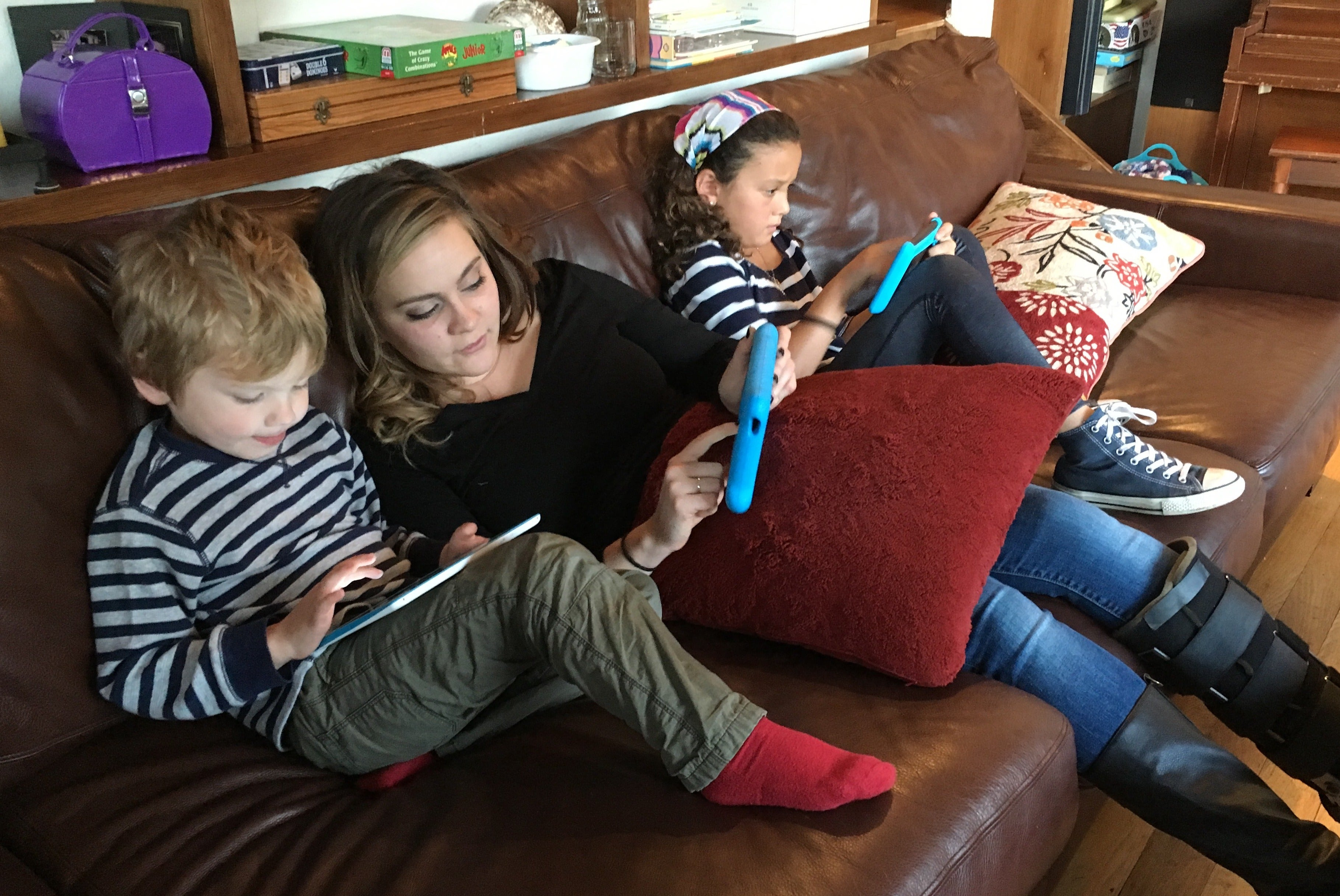 the great influence of television movies and video games to the youth today There is overwhelming evidence that the the youth exposed to large amounts of video we also feel that parents need to use television, game, and movie.