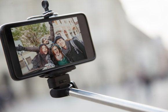 tested 5 selfie sticks for hands free iphone photos macworld. Black Bedroom Furniture Sets. Home Design Ideas
