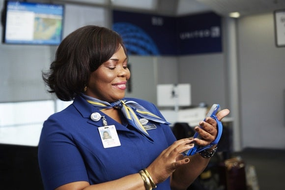 United Airlines Airport Reps Will Now Use An Iphone 6 Plus To Print