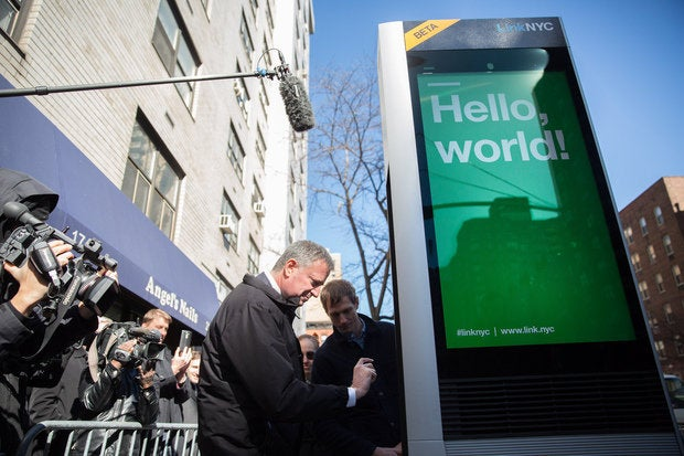 Good riddance payphones: NYC's free gigabit Wi-Fi kiosks go live
