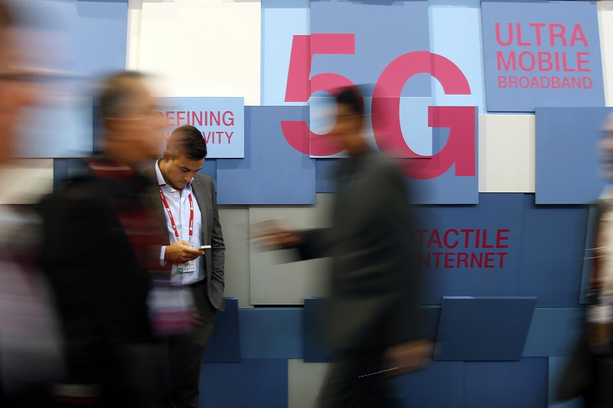 5G could require cell towers on every street corner | CIO