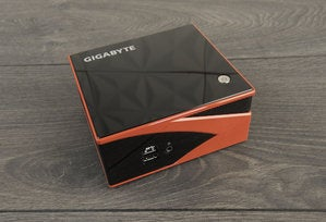 Gigabyte Brix GB-BXA8-5557M Top View