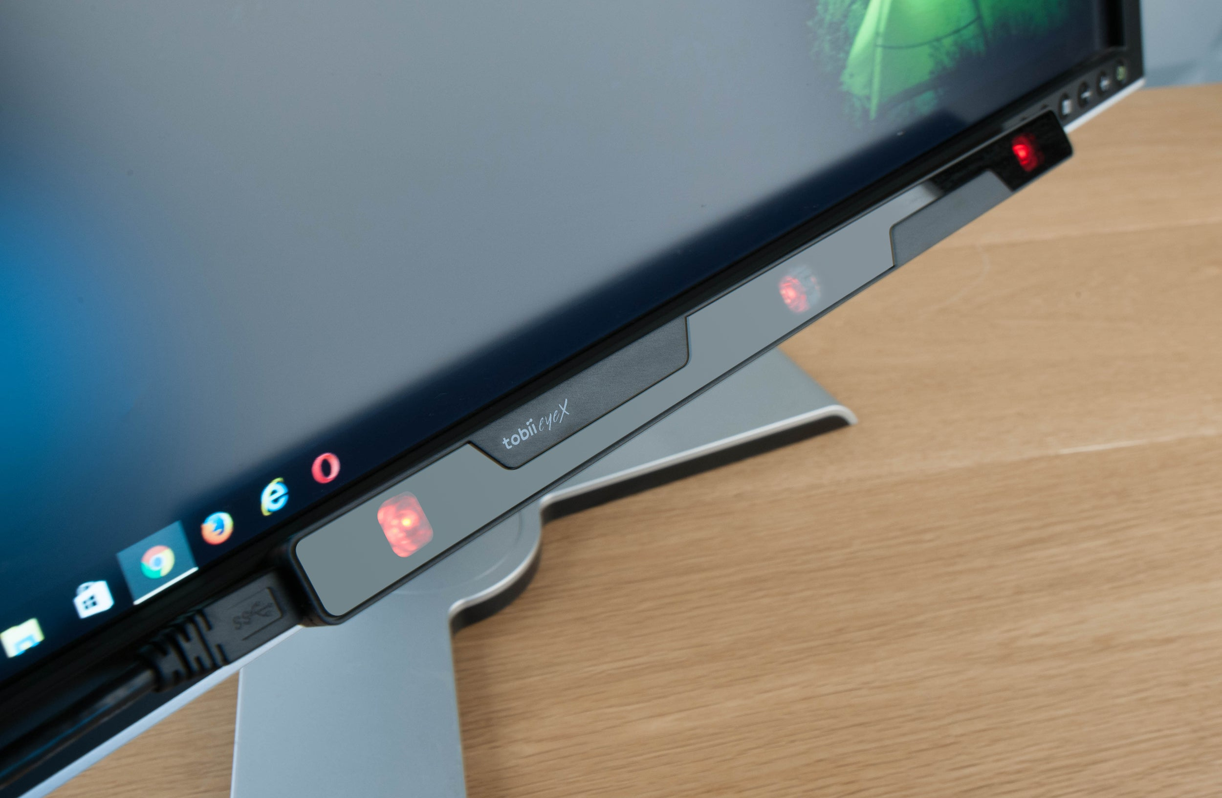 Tobii Eyex Review The Eye Mouse Is Magical But Just Not For Everyone Pcworld