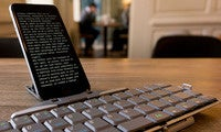 using your iphone with a bluetooth keyboard primaryhero b
