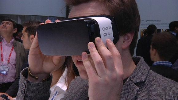 Man trying Samsung's Gear VR at MWC.