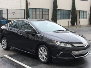 2016 chevy volt front 3qtr view
