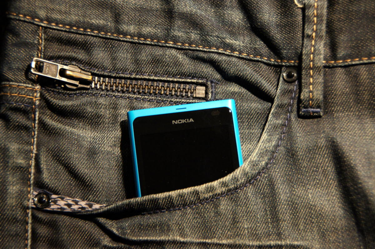 Lumia 800 in pants pocket