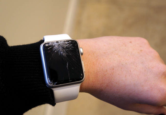 The tragic tale of a shattered Apple Watch  3e40043ec272