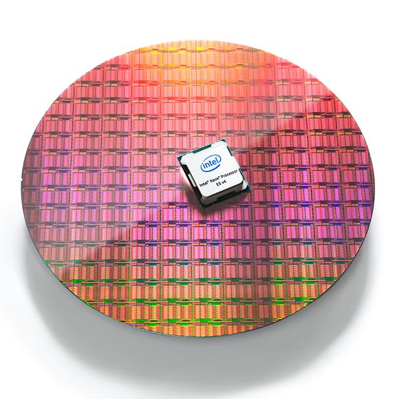 gmc 16 01 broadwellphotography waferandprocessor 1 rgb white sm