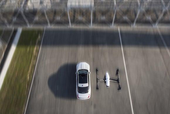 jaguar xj drone chase   zhuhai  china 5