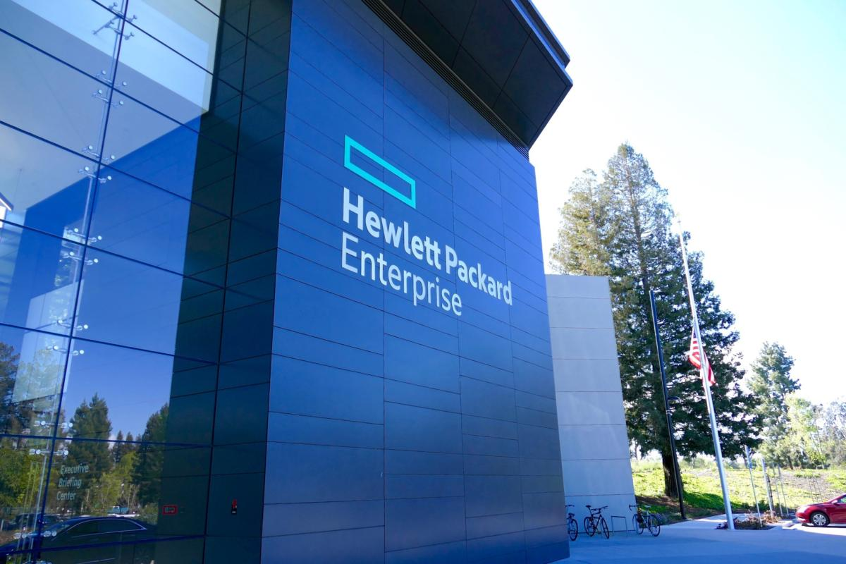 HPE's NVDIMM merges elements of DRAM and NAND flash storage on one chip.