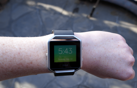 Fitbit Blaze review: Don't call it a smartwatch | Macworld