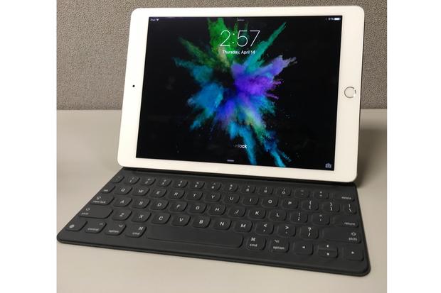 ipad and keyboard 2