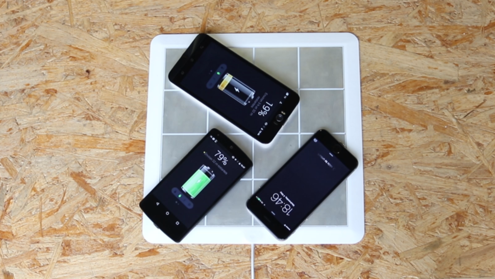 This sticker can wirelessly charge your smartphone or tablet
