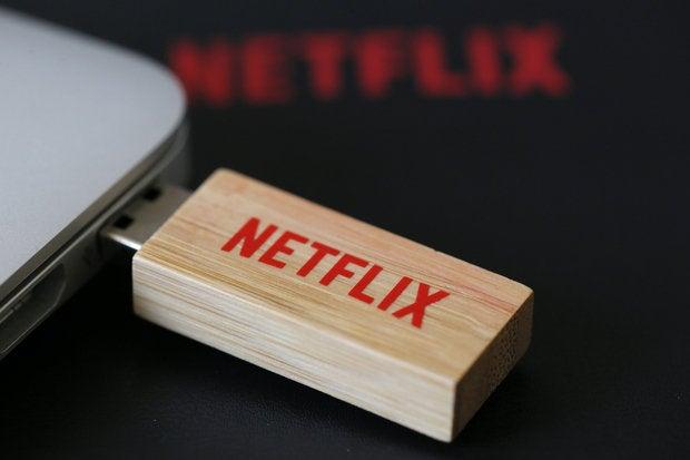 netflix logo usb stick