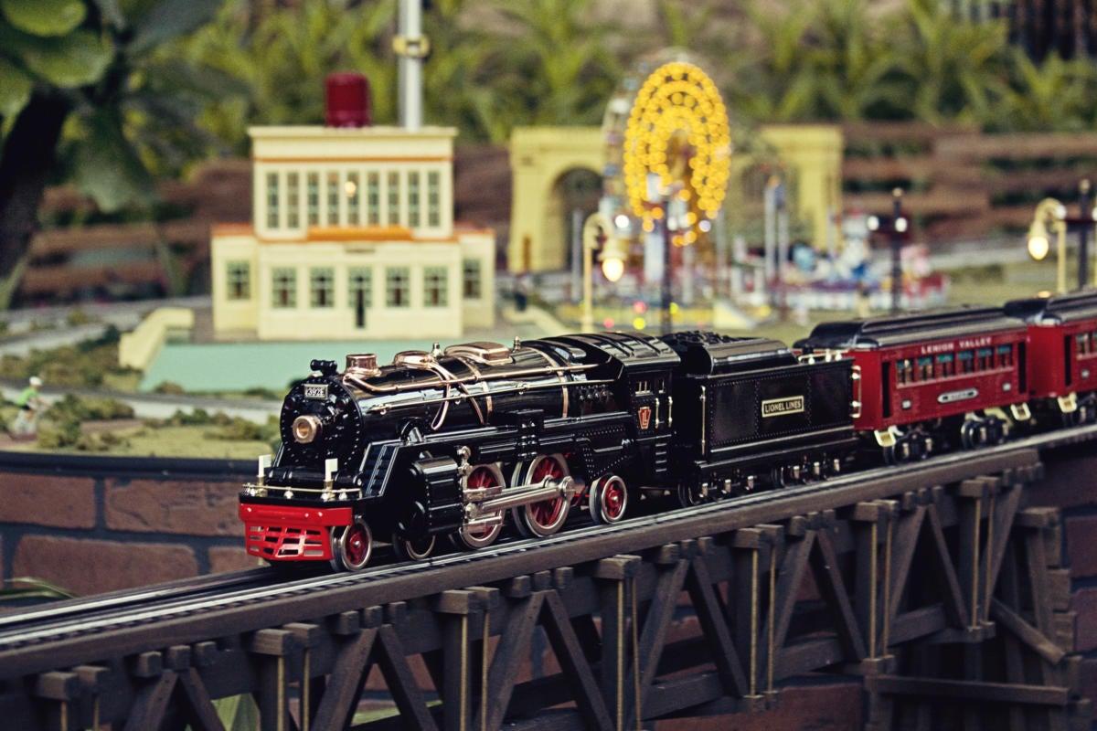 electric toy train set