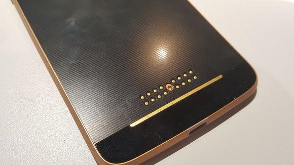 Motorola Moto Z pins