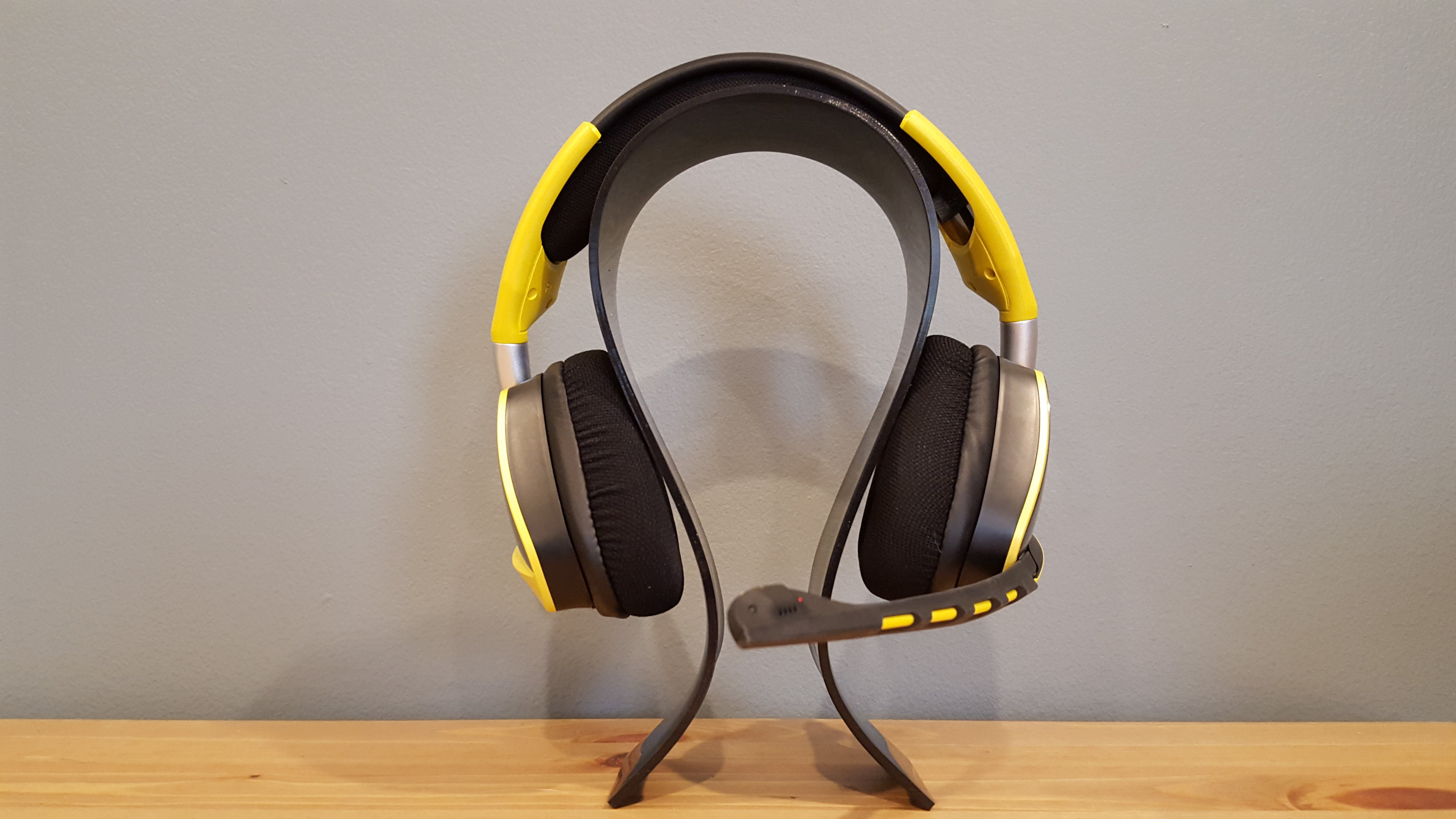 Corsair Void Wireless review: This headset is your best bet