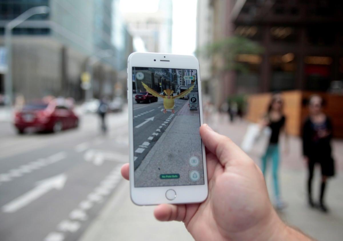 Apple, AR, VR, Tim Cook, iPhone, iOS, Google Maps, Pokemon