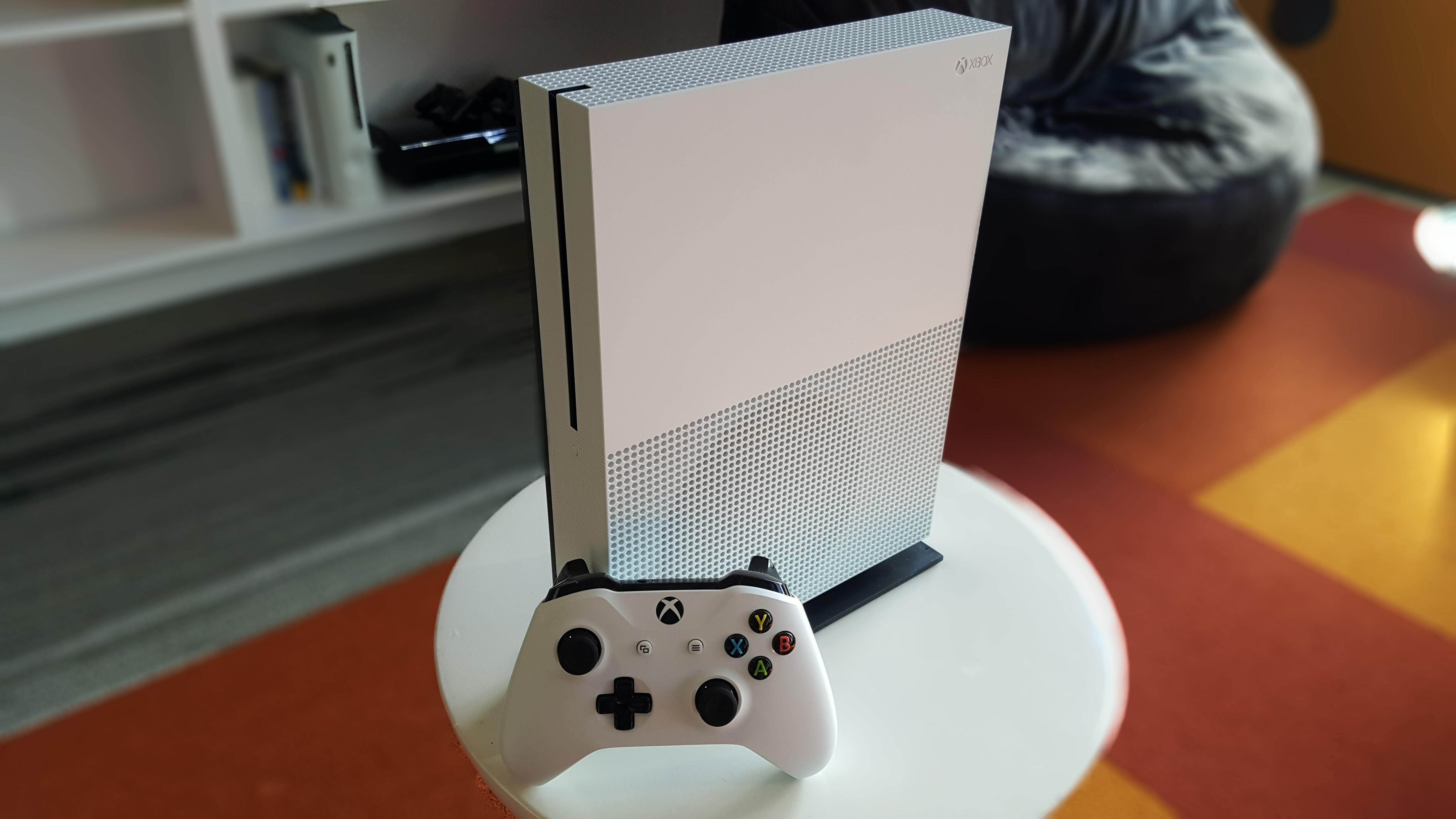 Xbox One S Review The Moves Into 4k Generation Pcworld 360 Slim Controller Diagram Free Image About Wiring And