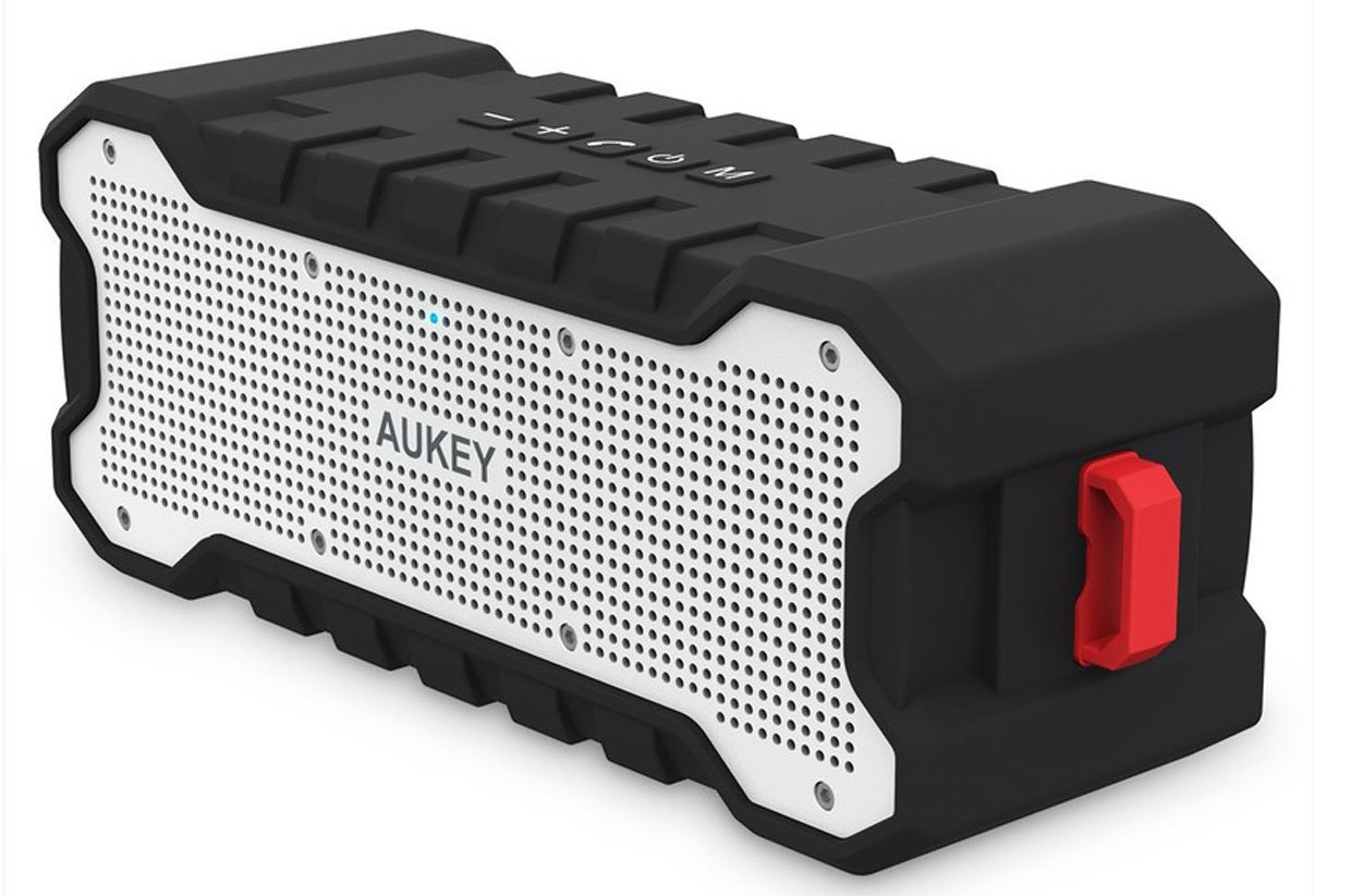 Aukey Sk M12 Outdoor Bluetooth Speaker Review Surprisingly Sonorous Wireless Mic Techhive