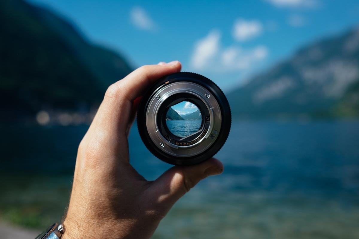 focus lens camera